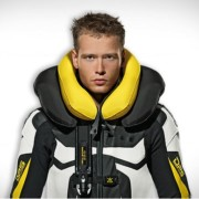 Airbag that Provides Neck Protection for Motorcycle Riders